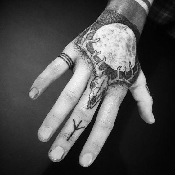 72 Ideas para Tatuajes de Venados (Con Significados) 6