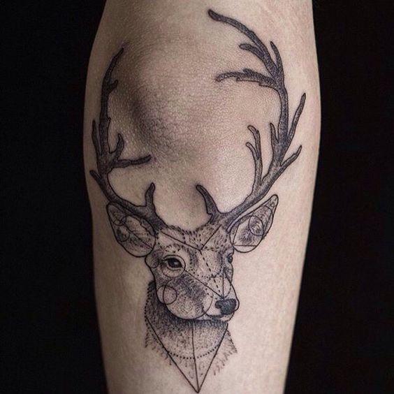 72 Ideas para Tatuajes de Venados (Con Significados) 55