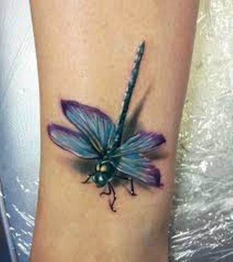 68 Tatuajes de Libélulas con sus Significados 54