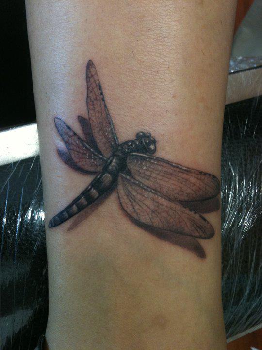 68 Tatuajes de Libélulas con sus Significados 55