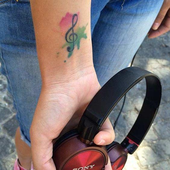 Tatuajes de Notas Musicales e Instrumentos 4