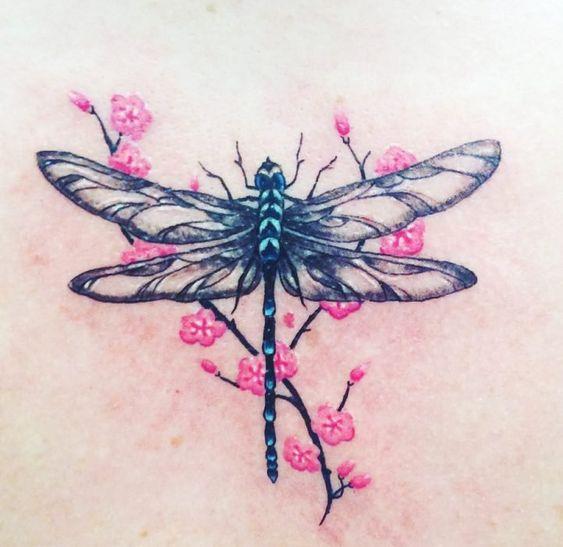 68 Tatuajes de Libélulas con sus Significados 6
