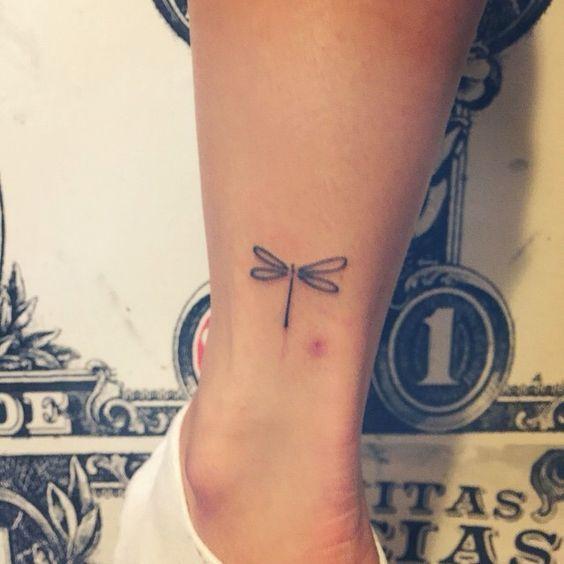 68 Tatuajes de Libélulas con sus Significados 8