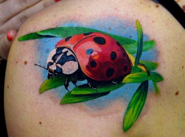50 Especiales Tatuajes de Insectos y sus significados 27