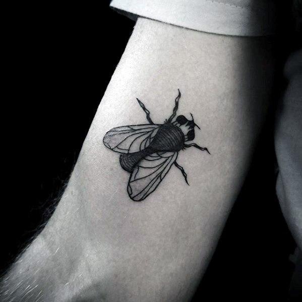 50 Especiales Tatuajes de Insectos y sus significados 12