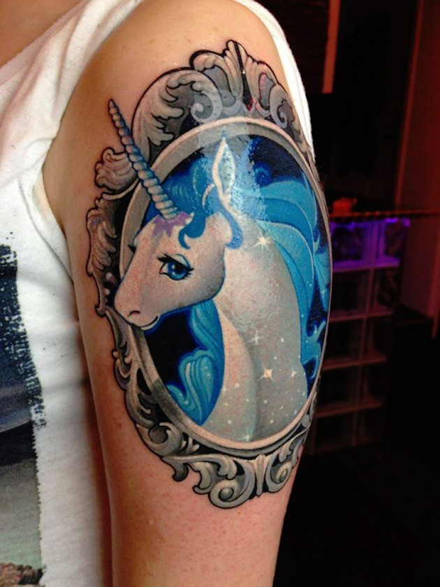 62  Ideas para Tatuajes de Unicornios (+Significados) 27