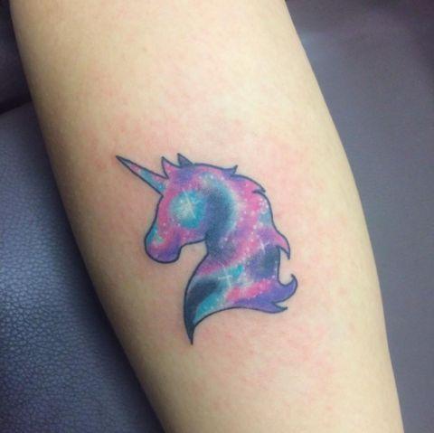 62  Ideas para Tatuajes de Unicornios (+Significados) 45