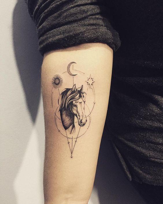 62  Ideas para Tatuajes de Unicornios (+Significados) 47