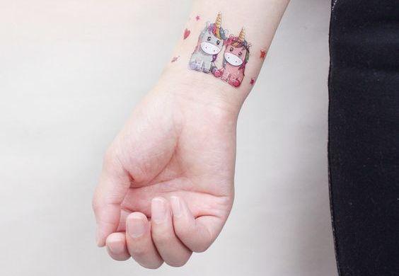 62  Ideas para Tatuajes de Unicornios (+Significados) 13