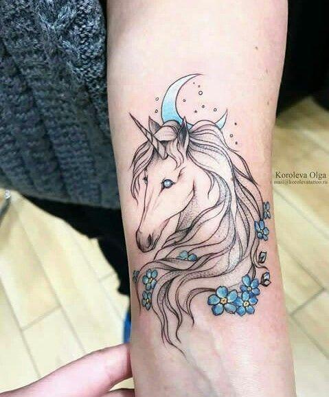 62  Ideas para Tatuajes de Unicornios (+Significados) 31