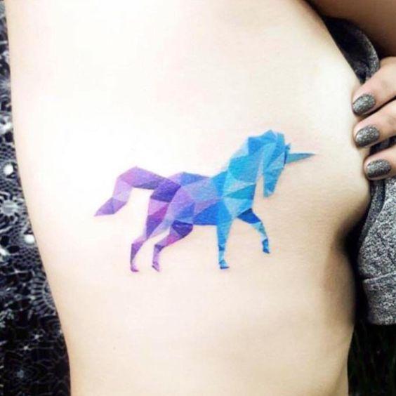 62  Ideas para Tatuajes de Unicornios (+Significados) 32