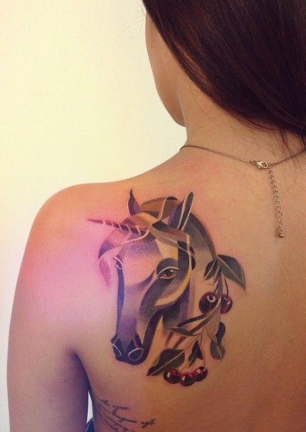 62 Ideas para Tatuajes de Unicornios (+Significados) 35