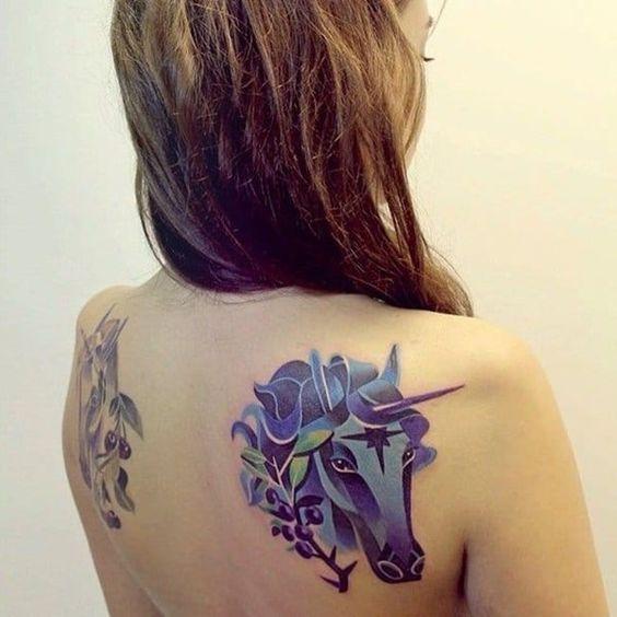 62  Ideas para Tatuajes de Unicornios (+Significados) 36
