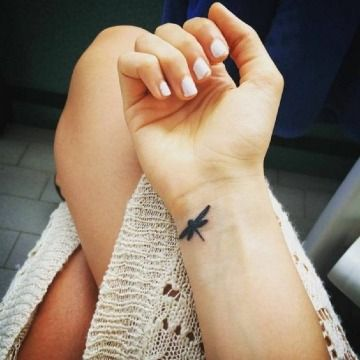 68 Tatuajes de Libélulas con sus Significados 31