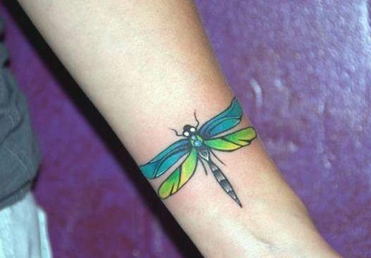 68 Tatuajes de Libélulas con sus Significados 33