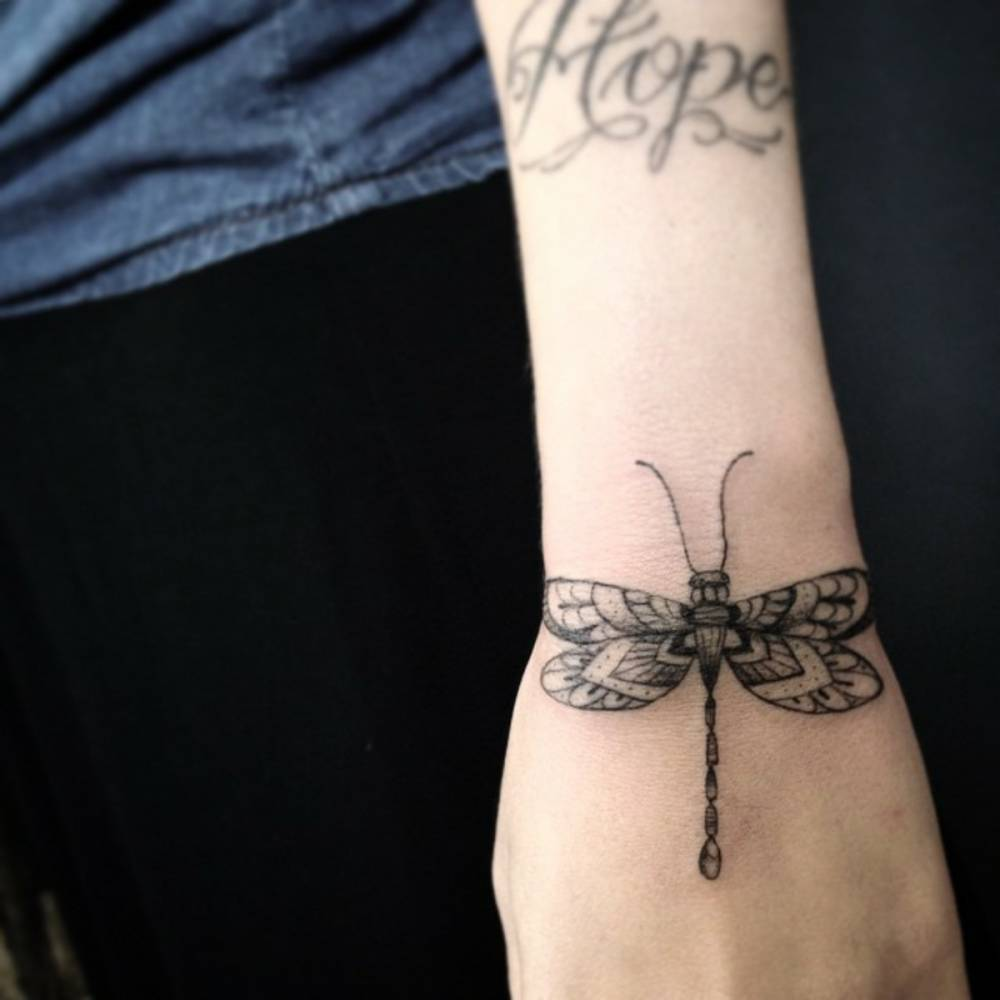 68 Tatuajes de Libélulas con sus Significados 35
