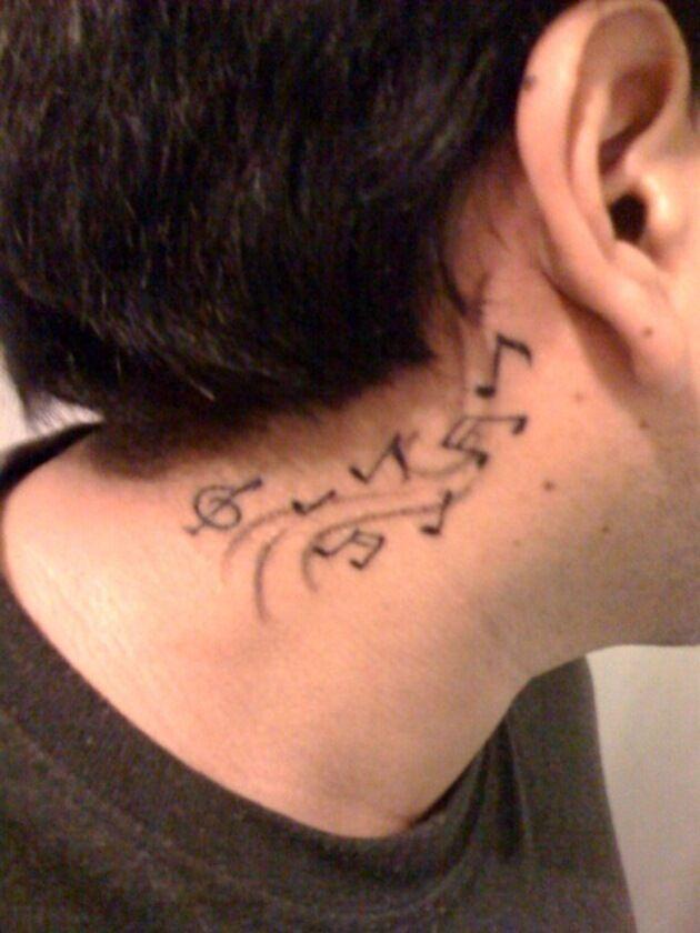 Tatuajes de Notas Musicales e Instrumentos 10