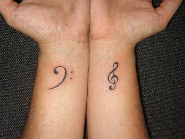 Tatuajes de Notas Musicales e Instrumentos 43