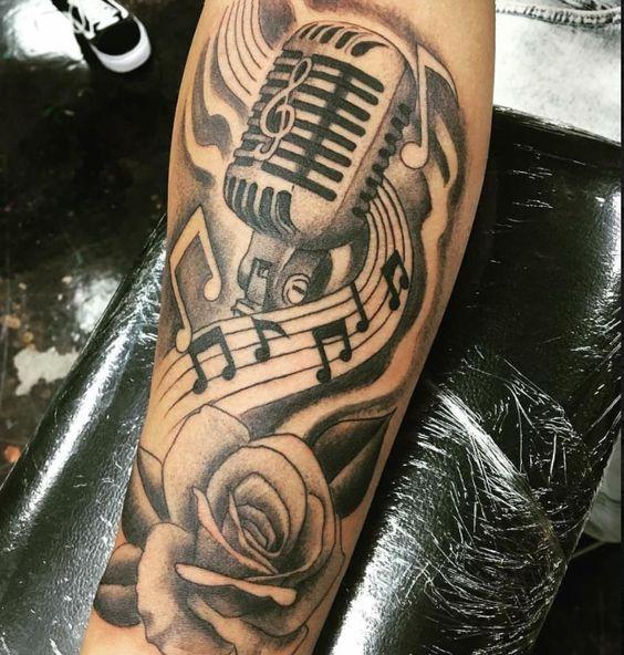 Tatuajes de Notas Musicales e Instrumentos 31
