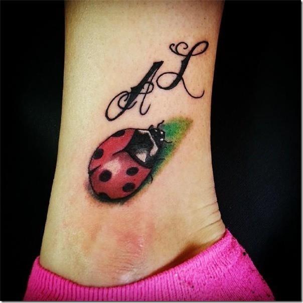 50 Especiales Tatuajes de Insectos y sus significados 31