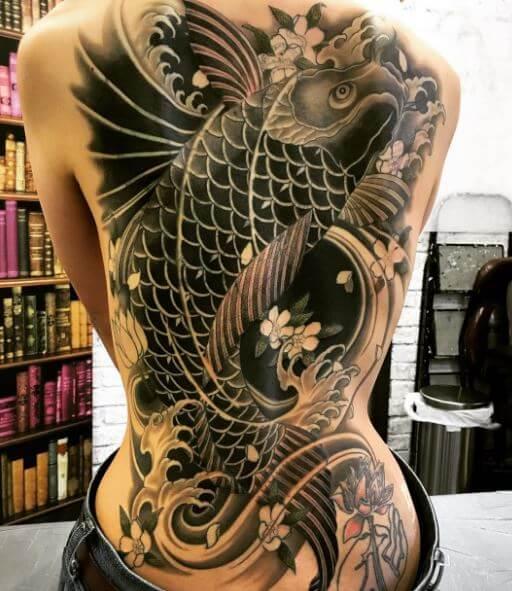 64 Ideas de Tatuajes de Pez Koi (+ Significados) 51