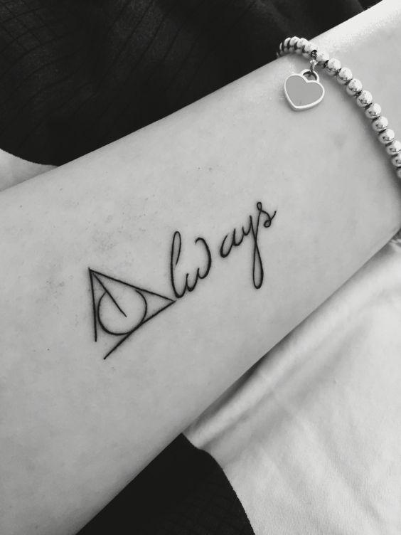 9 3/4 Ideas para Tatuajes de Harry Potter que todos los fans quieren 10